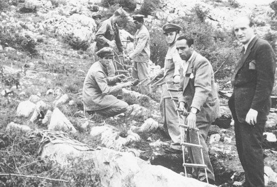 Anche in Italia ci sono i talebani. Dopo tante scorribande andate a vuoto, visto che i loro nemici crescono in consensi politici, i nostri si sono ridotti a prendersela niente di meno che con il ricordo di quei poveri 20.000 italiani trucidati alla fine della seconda guerra mondiale dalle milizie comuniste di Tito.